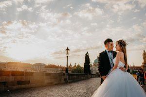 2ofus-weddings-Prague-engagement-portrait-colekor-010