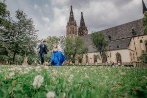 2ofus-weddings-Prague-engagement-portrait-colekor-070
